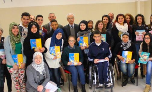 Dal Marocco libri di testo in regalo alle scuole reggiane per il corso di lingua araba