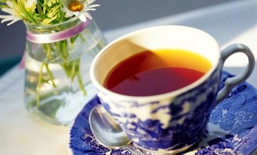 Una tazza di tè al gelsomino