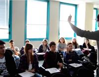 Cercasi insegnanti di italiano