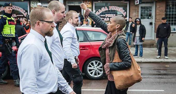 """Svezia, Tess Asplund: """"Ho sfidato quei nazisti. Nei loro occhi il peggio dell'Europa"""""""