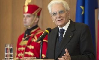 """Mattarella: """"Non possiamo lasciare le chiavi dell'Europa ai trafficanti di esseri umani"""""""